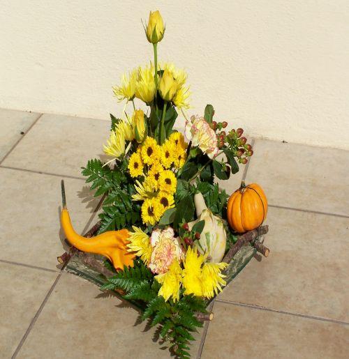 Art floral photos des compositions florales fleurs et fruits conseils en d coration florale - Composition florale avec fruits legumes ...
